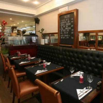 Arno's Café
